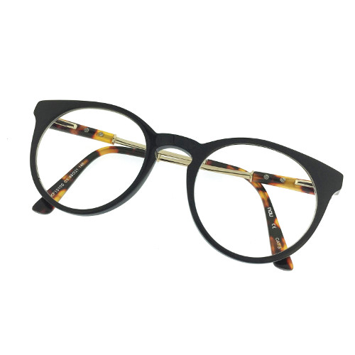 eyewear photos for e-commerce