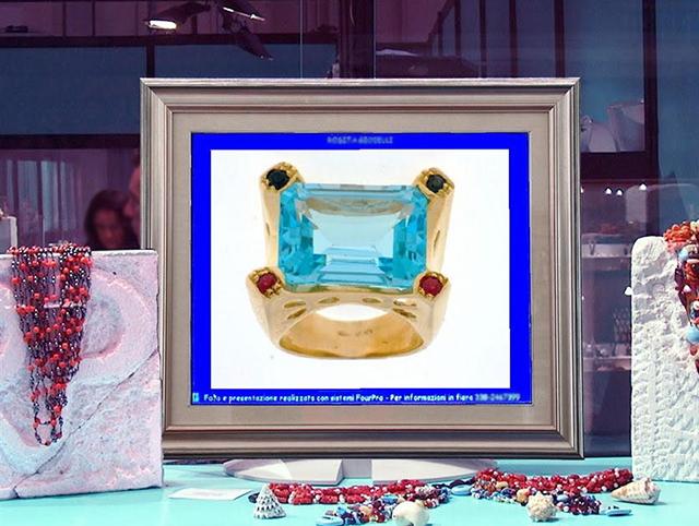 monitor vetrina negozi gioielli